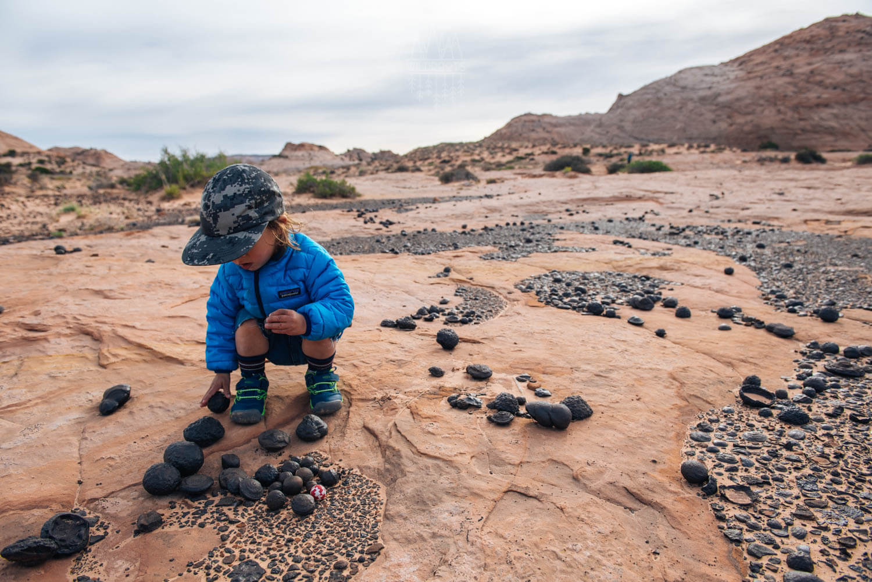 12-moqui-marbles